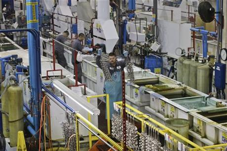US manufacturing expands at best pace in 2 ½ years