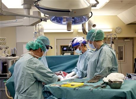 SWEDISH DOCTORS TRANSPLANT WOMBS INTO 9 WOMEN