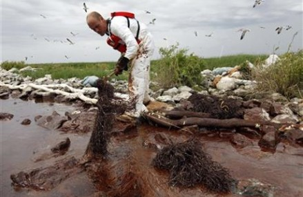 BP to pay record $18.7 billion to states affected by spill