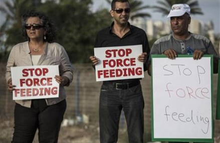 Israeli force-feeding law pits doctors against state