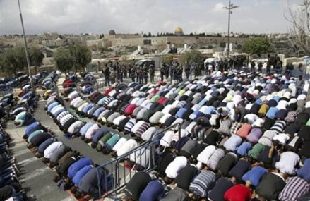 Mideast unrest spreads to Gaza as stabbing attacks continue