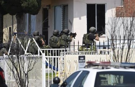 2 San Diego police officers shot, 1 fatally, during stop