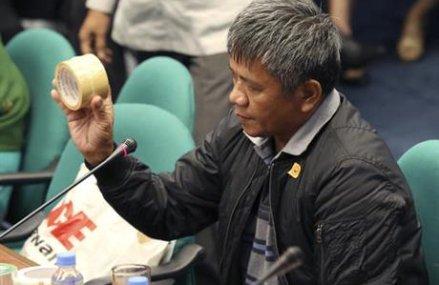 Witness says Philippine president ordered killings of 1,000