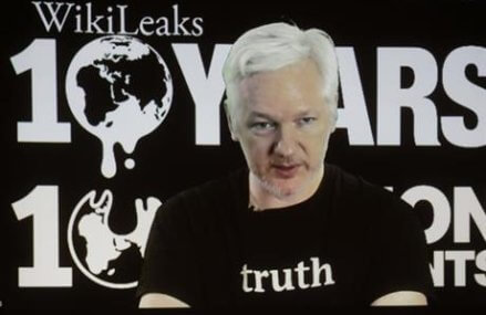 WikiLeaks: Assange's internet link 'severed' by state actor