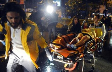 Suspect in Istanbul club attack who killed 39 still at large