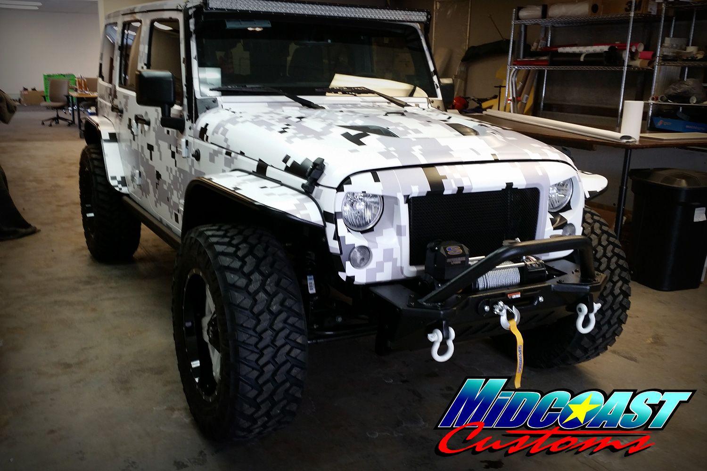 jeep-cherokee-camo-graphics
