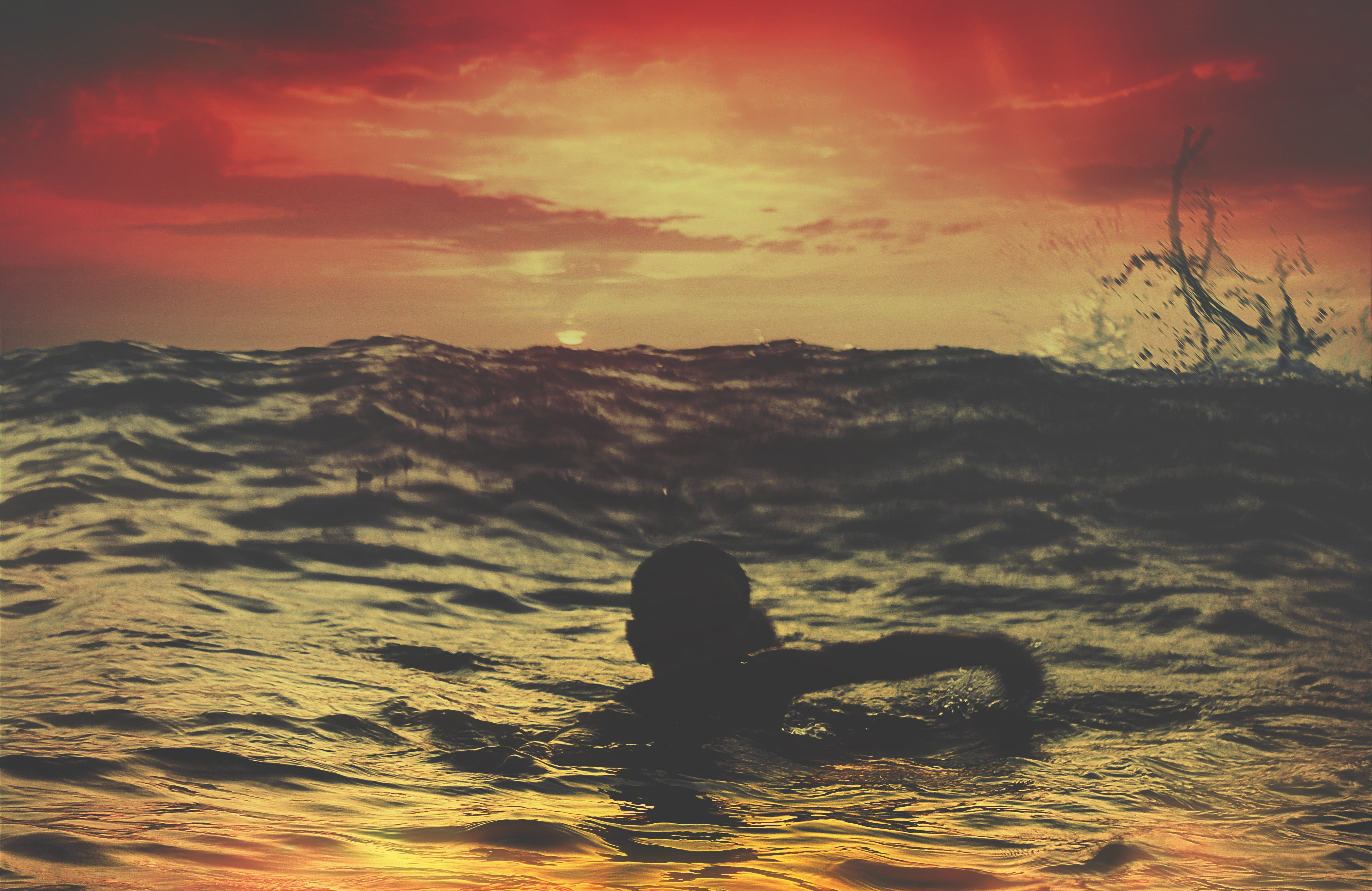 just because i haven't drowned doesn't mean i'm not sinking by Charlotte Berry
