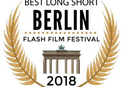 OUTSIDE ARCADIA - BERLIN FLASH BEST LONG SHORT-01