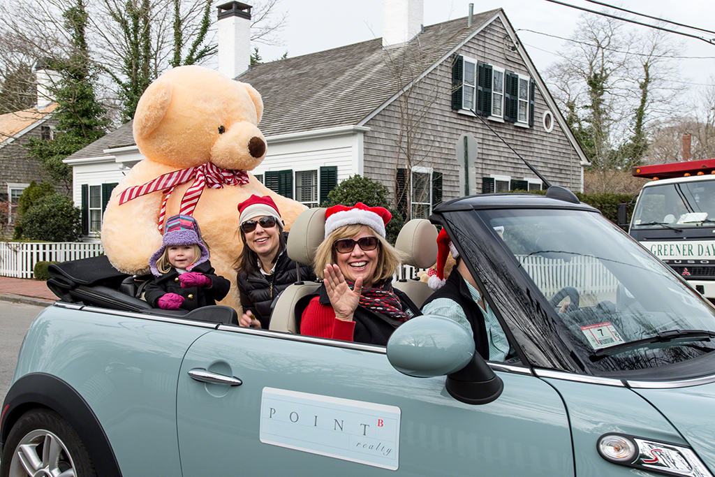 Chappy Our Big Bear In The Christmas In Edgartown Parade Martha's Vineyard Teddy Bear Suite