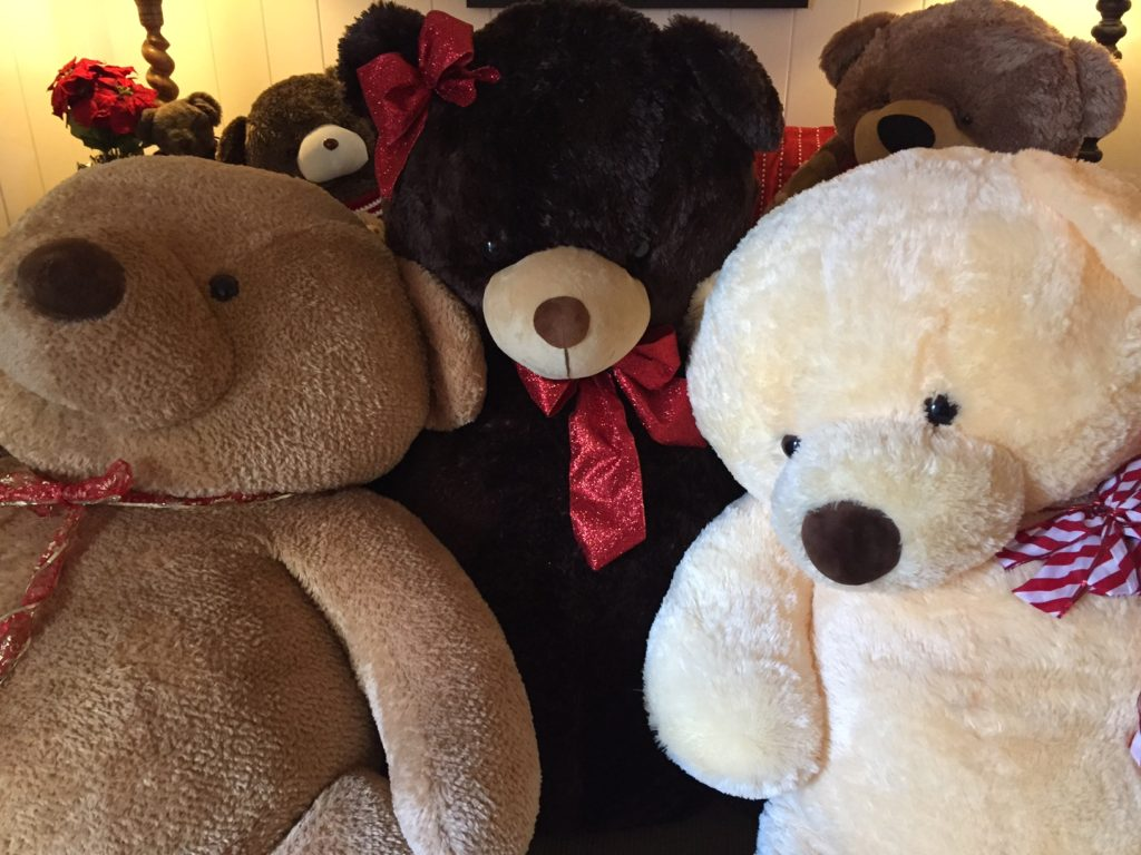 Big Bear Family At The Martha's Vineyard Teddy Bear Suite