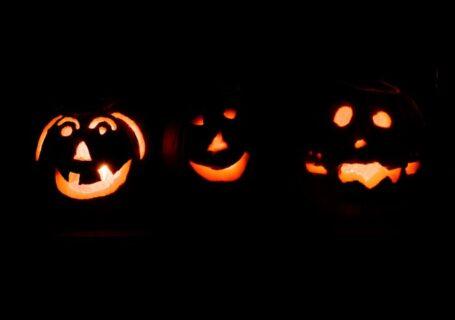3-pumpkins-at-night