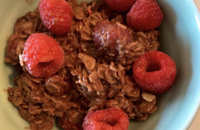 raspberry-chocoloate-oatmeal-bowl-