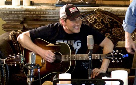 Rodney-Atkins-Live-Stage-It-Show-Photo-Credit-Scott-Whitley---CountryMusicRocks.net