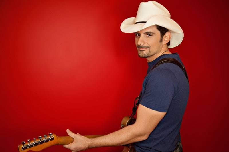 Brad-Paisley-2014-CountryMusicRocks.net