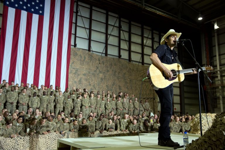afghanistan performance by Pete Souza The White House - CountryMusicRocks.net