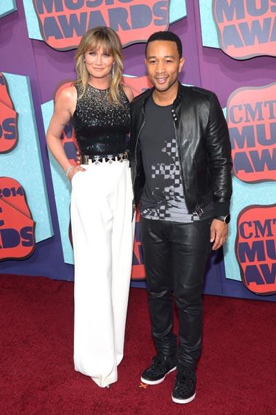 Jennifer Nettles John Legend CMT Awards Photo Credit Michael Loccisano Getty Images - CountryMusicRocks.net