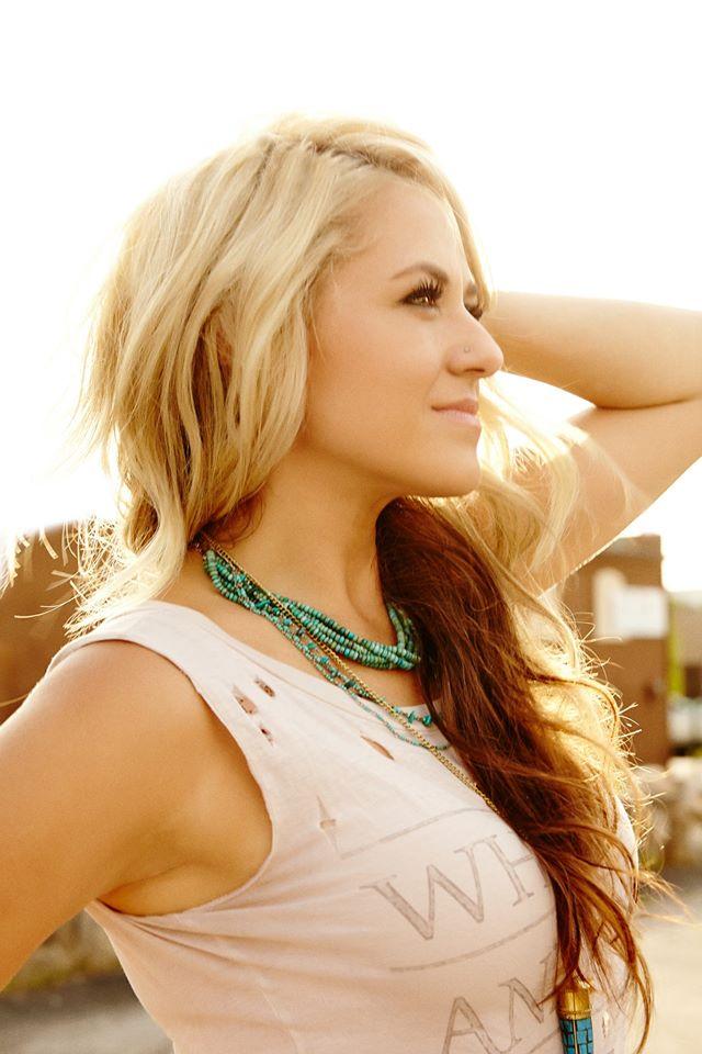 Leah-Turner-CountryMusicRocks.net