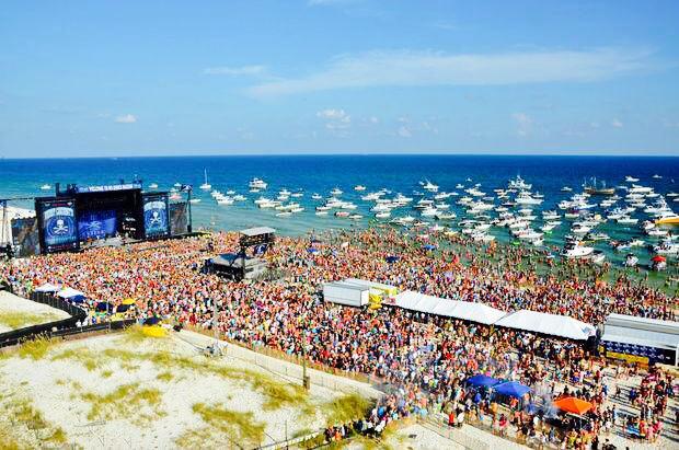 Kenny Chesney FloraBama Concert - CountryMusicRocks.net