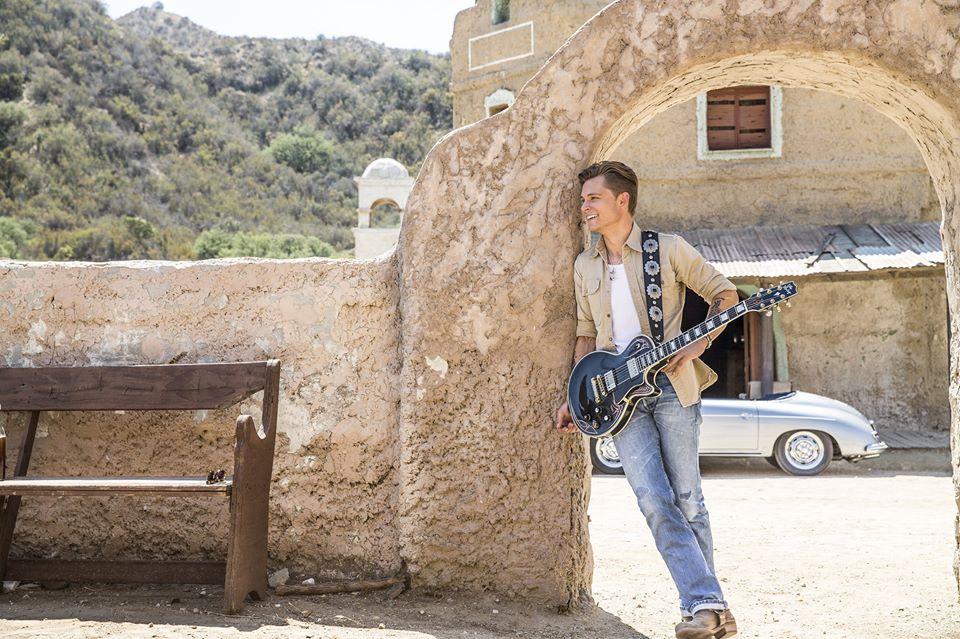 Frankie Ballard Sunshine & Whiskey Video - CountryMusicRocks.net