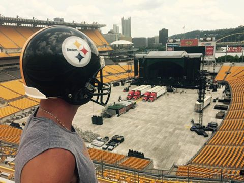 Kenny Chesney Pitsburgh Steelers - CountryMusicRocks.net