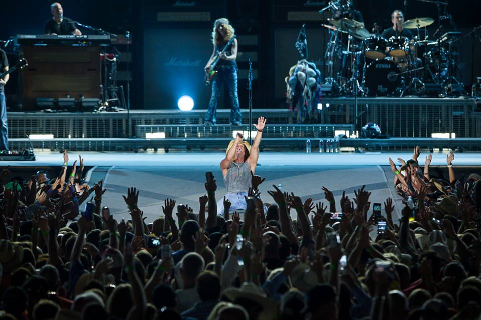 Kenny Chesney MetLife Stadium Concert - CountryMusicRocks.net