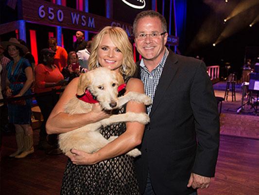 Miranda-Lambert-Opry-dog-Charlie---CountryMusicRocks.net