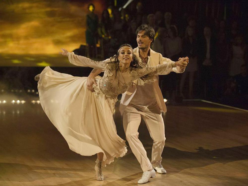 Jana Kramer Dancing with the Stars Week 4