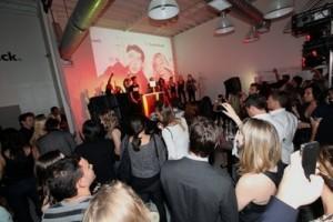 LMFAO | HTC EVO 3D | Radioshack