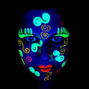 NYE-glowface