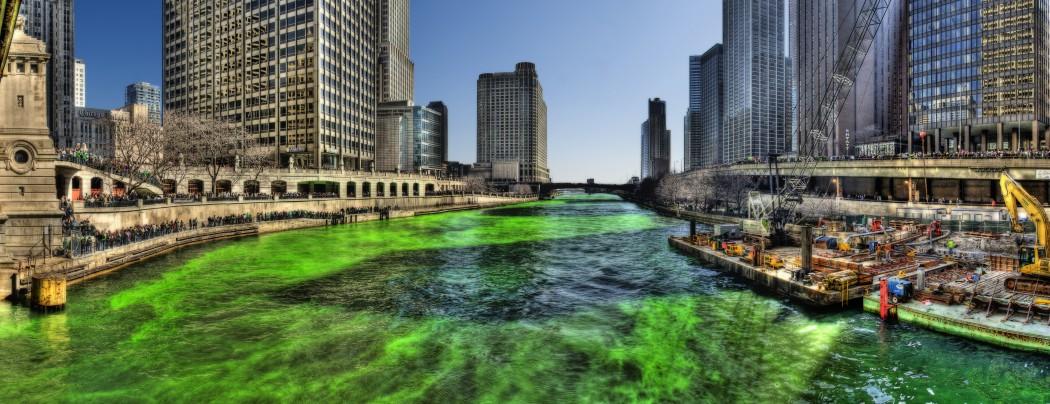 Green Chicago River on Saint Patricks Day 2009