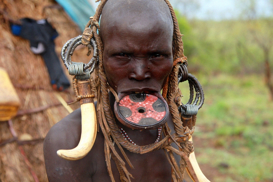 lip plates Mursi tribe Ethiopia