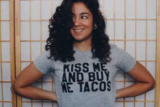 kiss me and buy me tacos t20 waG2d8