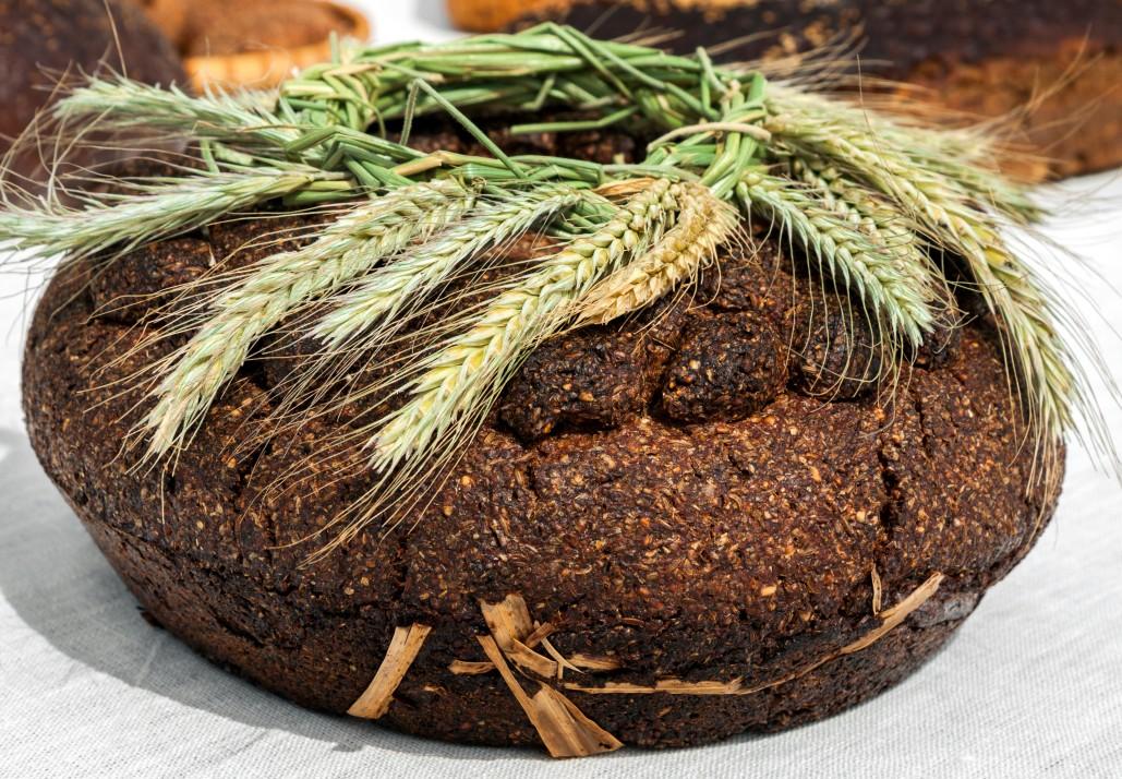 bread food traditional bakery eating loaf cuisine gourmet rye lithuania t20 P1BV3N
