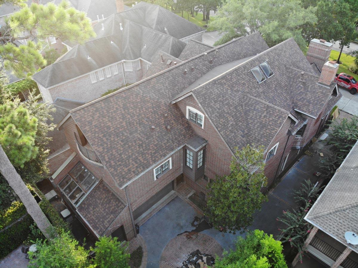 Roofer in Houston