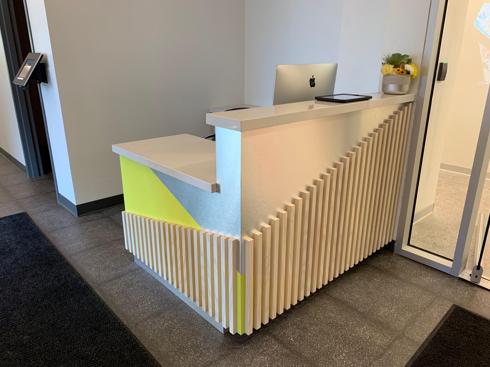 Sawtooth Concepts Receptionist Desk