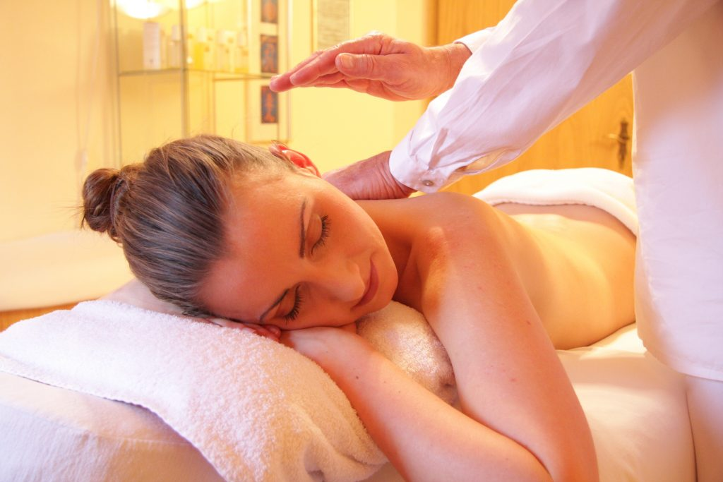 RELIEVE STRESS WITH MASSAGE