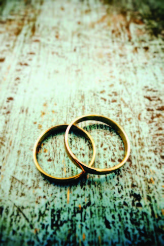 Control the Costs of Weddings in Your Family