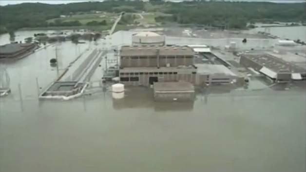 Fort-Calhoun-nuclear-plant-underwater-10-mile-radius-evacuation-ordered