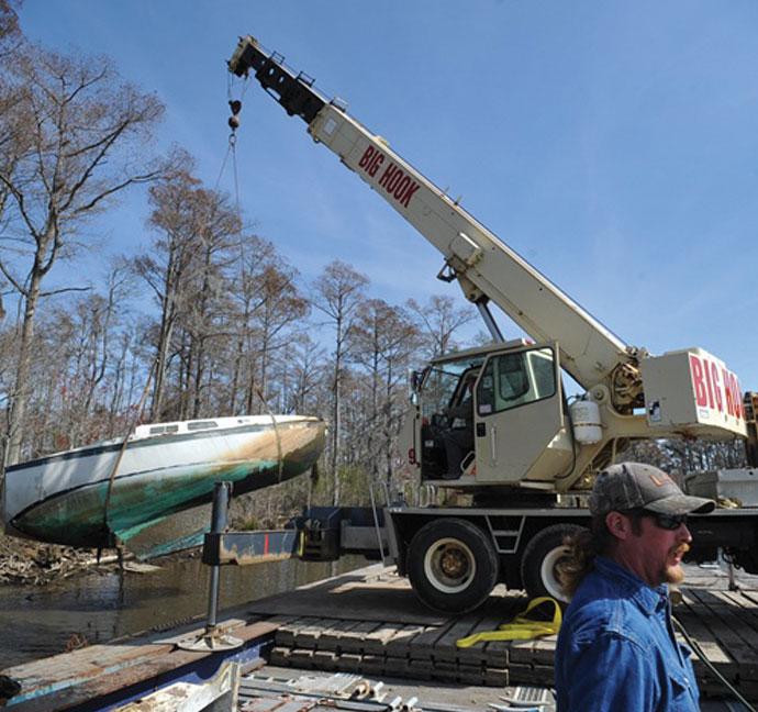 boat-lifting