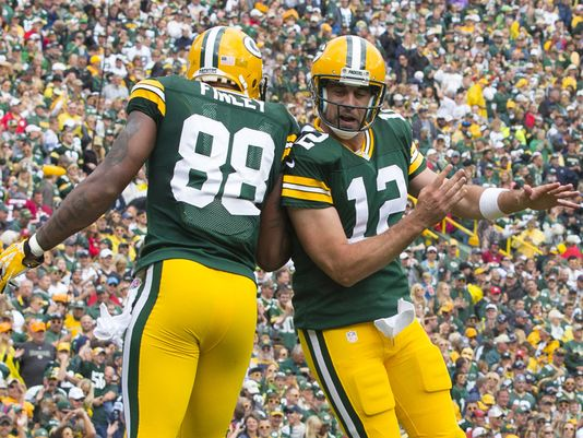 Aaron Rodgers and Jermichael Finley