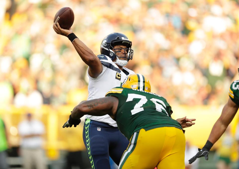 Mike Daniels and the Defense Lead the Packers to 1-0