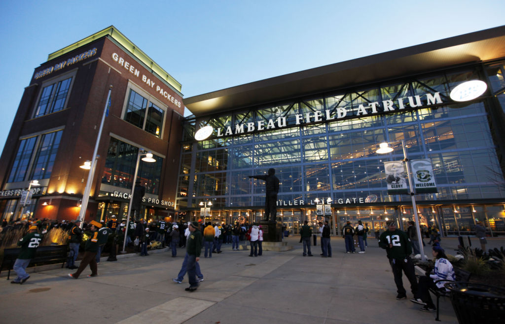 Field Viewing Tours now available at Lambeau Field