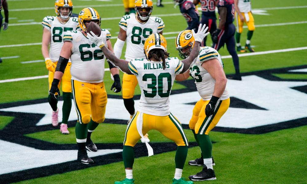 Despite injuries, Packers blow through Texans