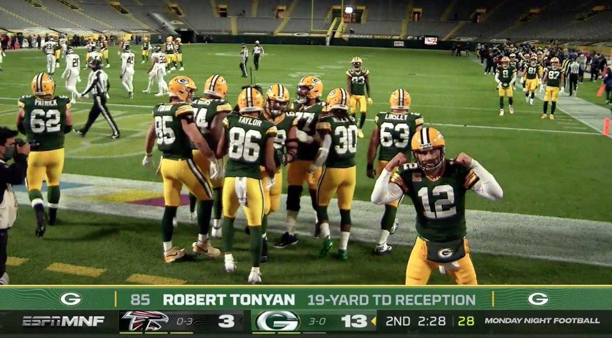 Game recap: Packers roll through Falcons