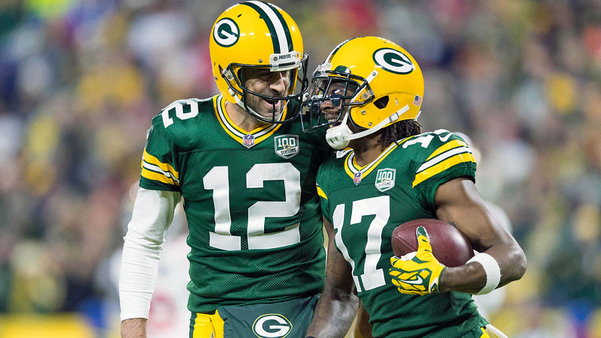 How do the Packers advance to 8-2?