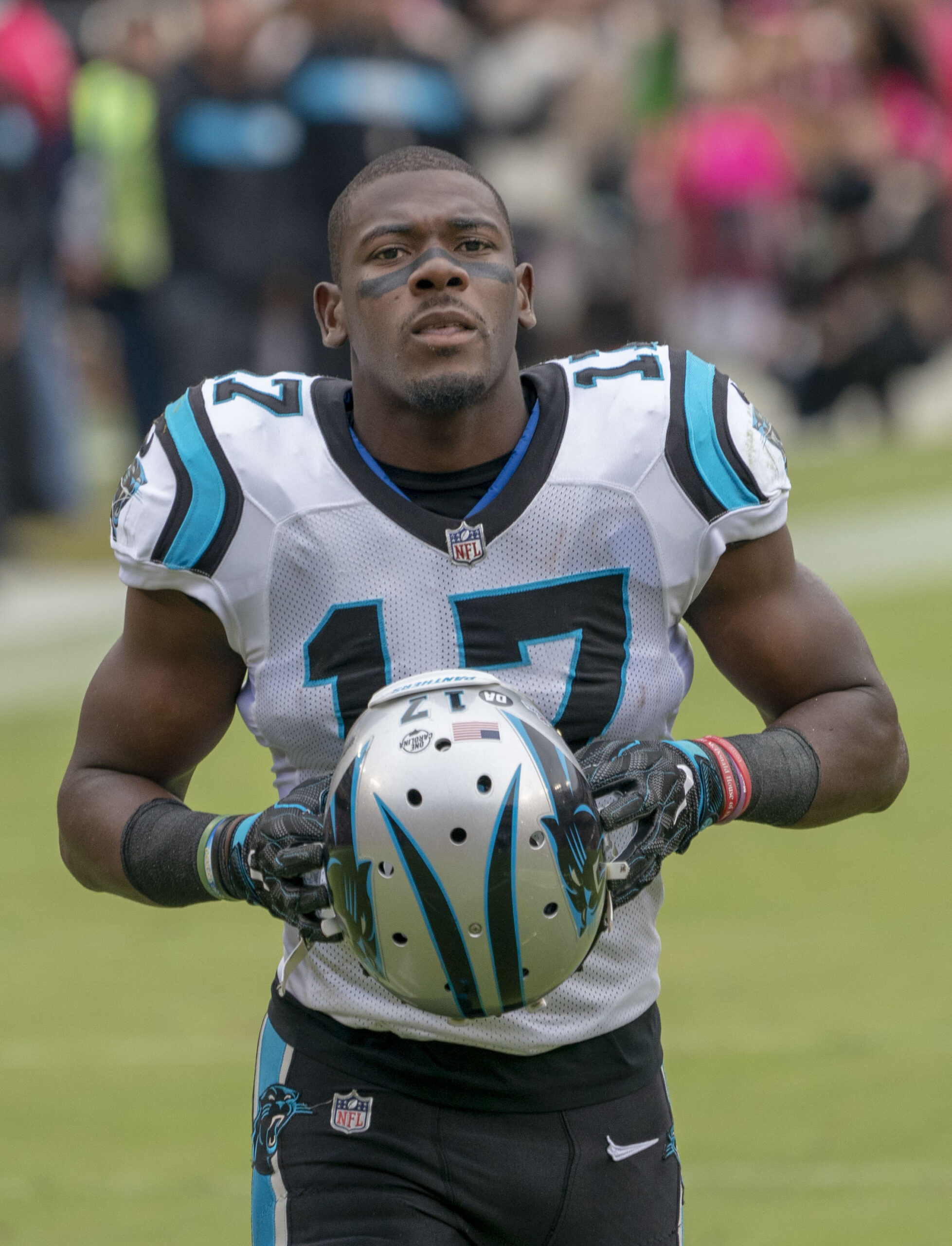 What do the Packers do with Devin Funchess?