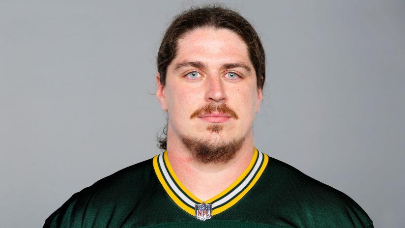 Meet Packers new RT Dennis Kelly