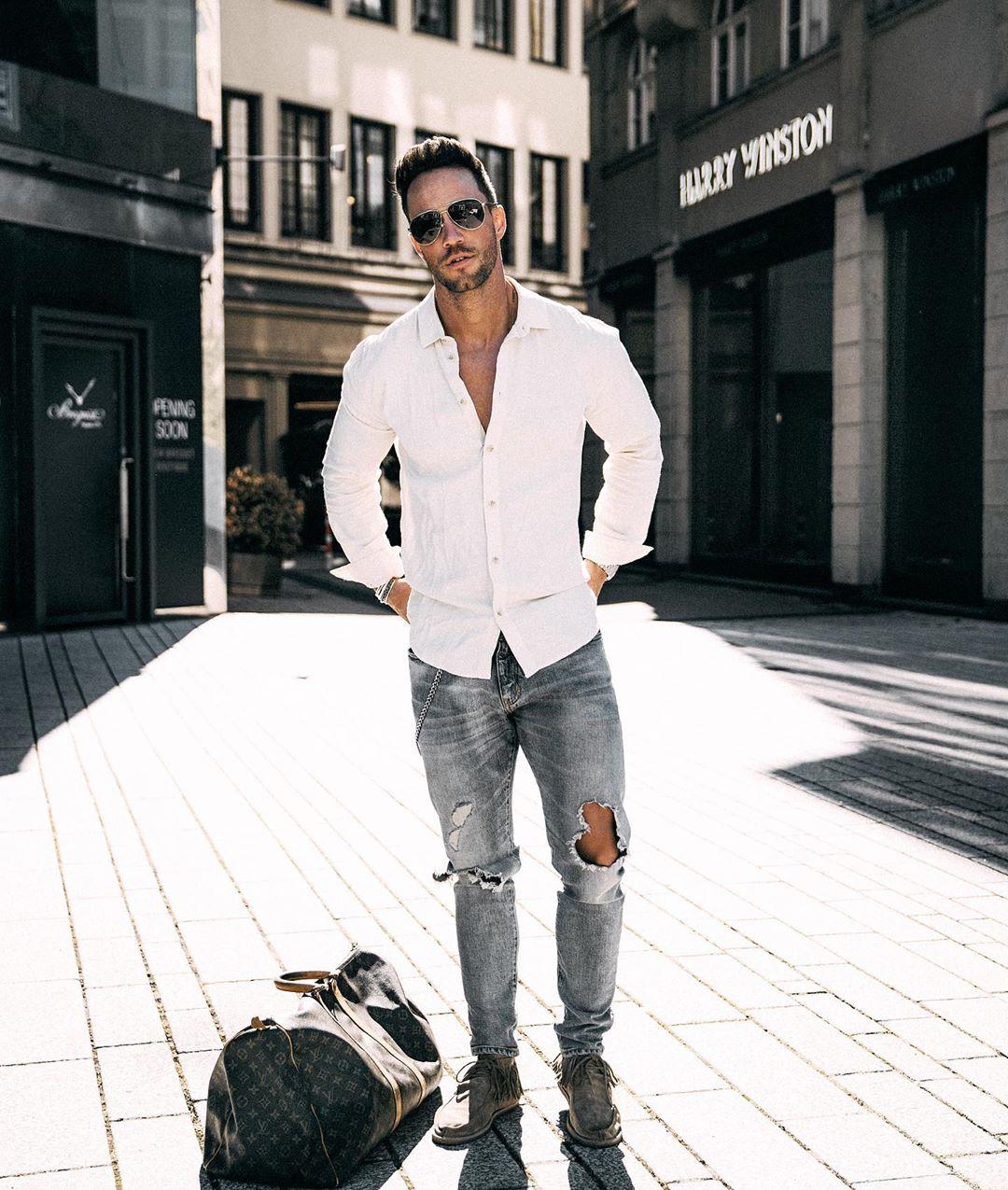 Xuống phố cực chất chơi và nam tính cùng 6 cách phối đồ với quần jeans mạnh mẽ
