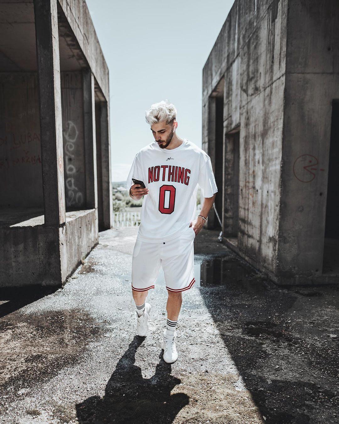 Xây dựng phong cách thể thao với 5 cách phối đồ nam cực tự tin
