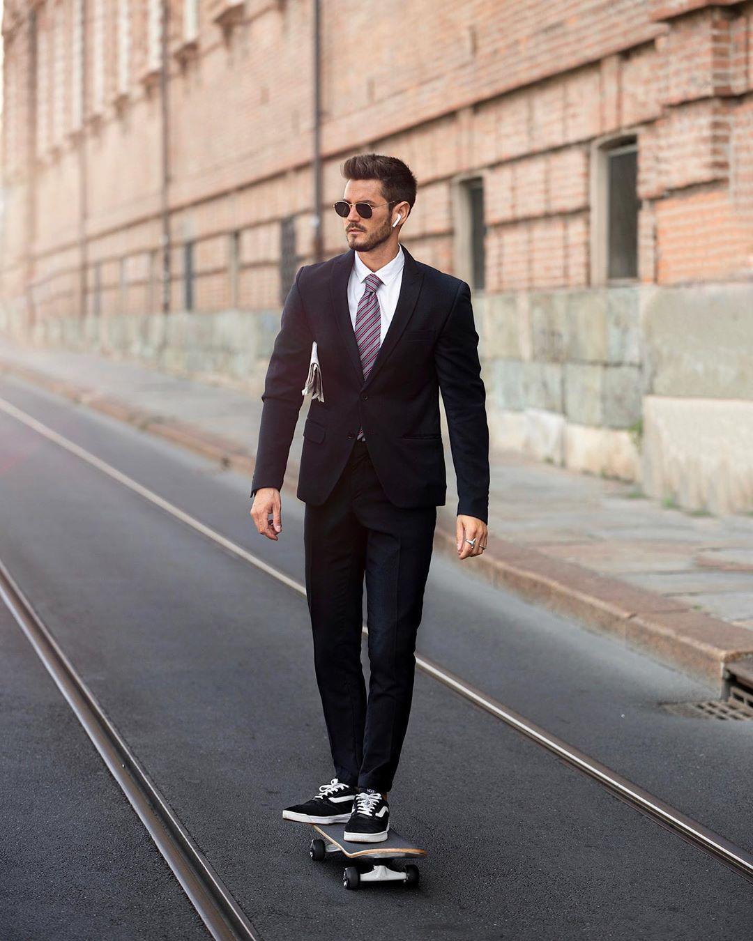 7 cách phối giày vans old skool giúp chàng đến công sở đầy năng động